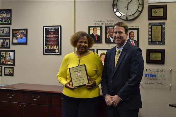 Bonnie Miller is named DCS Employee of the Quarter