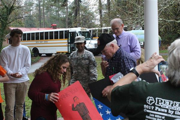 WRH Students Honor WWII Veteran