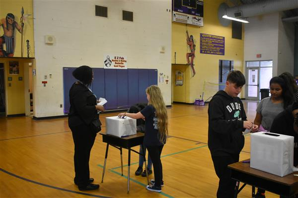 Students Take Part in Voting Today!